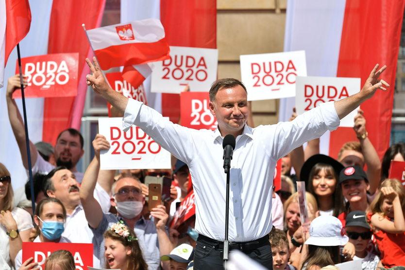 Andrzej Duda wygrywa wybory prezydenckie 2020 r. - ASNews